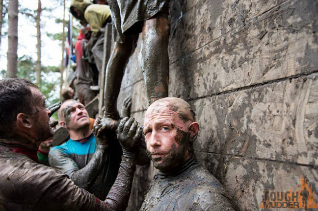 It's not easy to master the Berlin Walls but the other Mudders will help you!